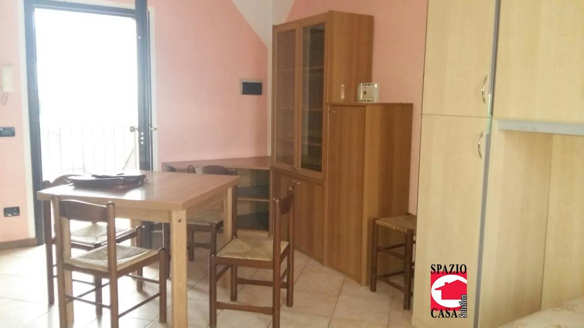 Appartamento in affitto a Montichiari, 1 locali, prezzo € 330   CambioCasa.it