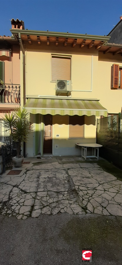 Appartamento in vendita a Castenedolo, 4 locali, prezzo € 154.000 | CambioCasa.it