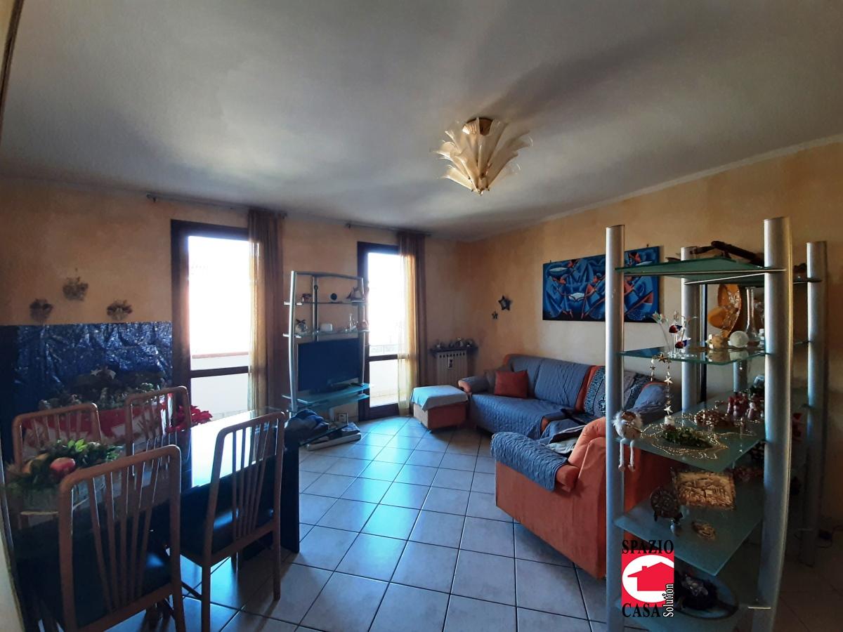 Appartamento in vendita a Capriano del Colle, 4 locali, prezzo € 128.000 | PortaleAgenzieImmobiliari.it